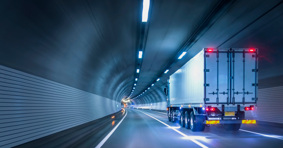 The Road Ahead for Commercial Auto Insurance: 5 Market and Technology Trends to Watch